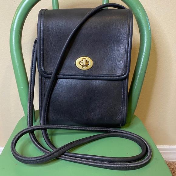Coach Handbags - Coach vintage Scooter bag black leather #9893